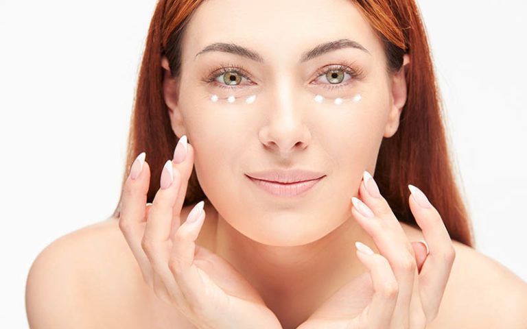 Eye contour cream, important for a youthful appearance