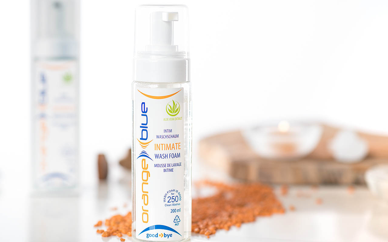 Intimate care for the daily intimate cleaning of orangeblue